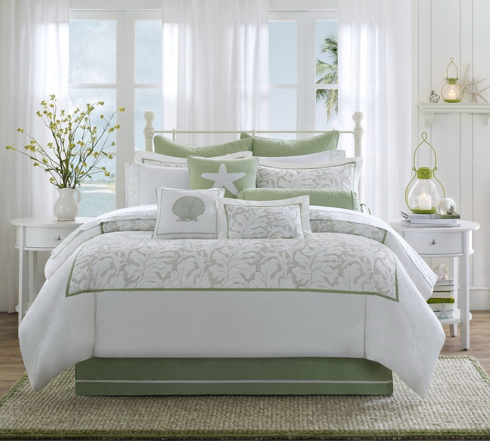 Soft Green and White Comforter Set for Master Bedroom