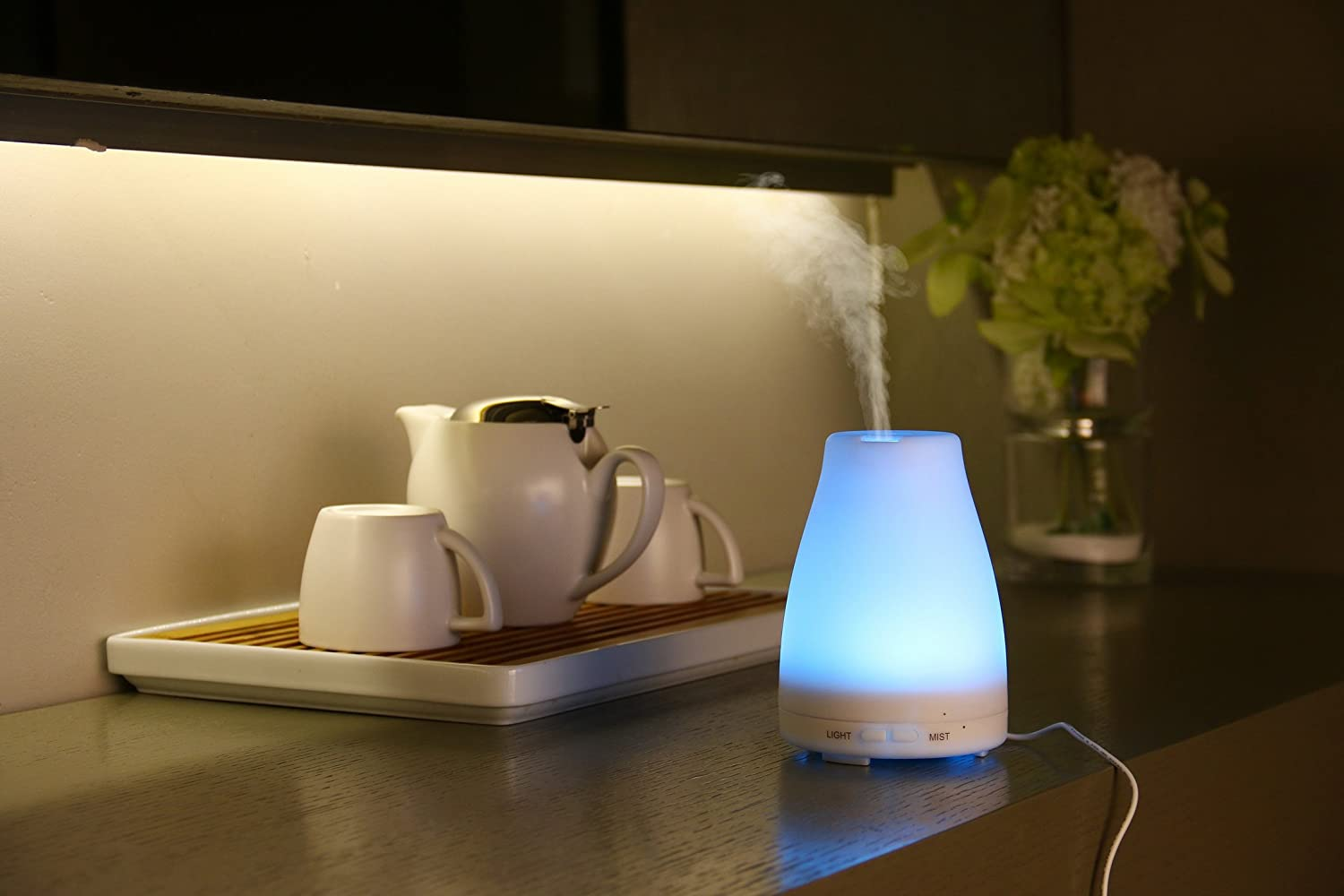Essential Oil Diffuser, By Safiaz 100ml Aromatherapy Ultrasonic Cool Mist, Humidifier with Special 7 Color Changing LED Lights