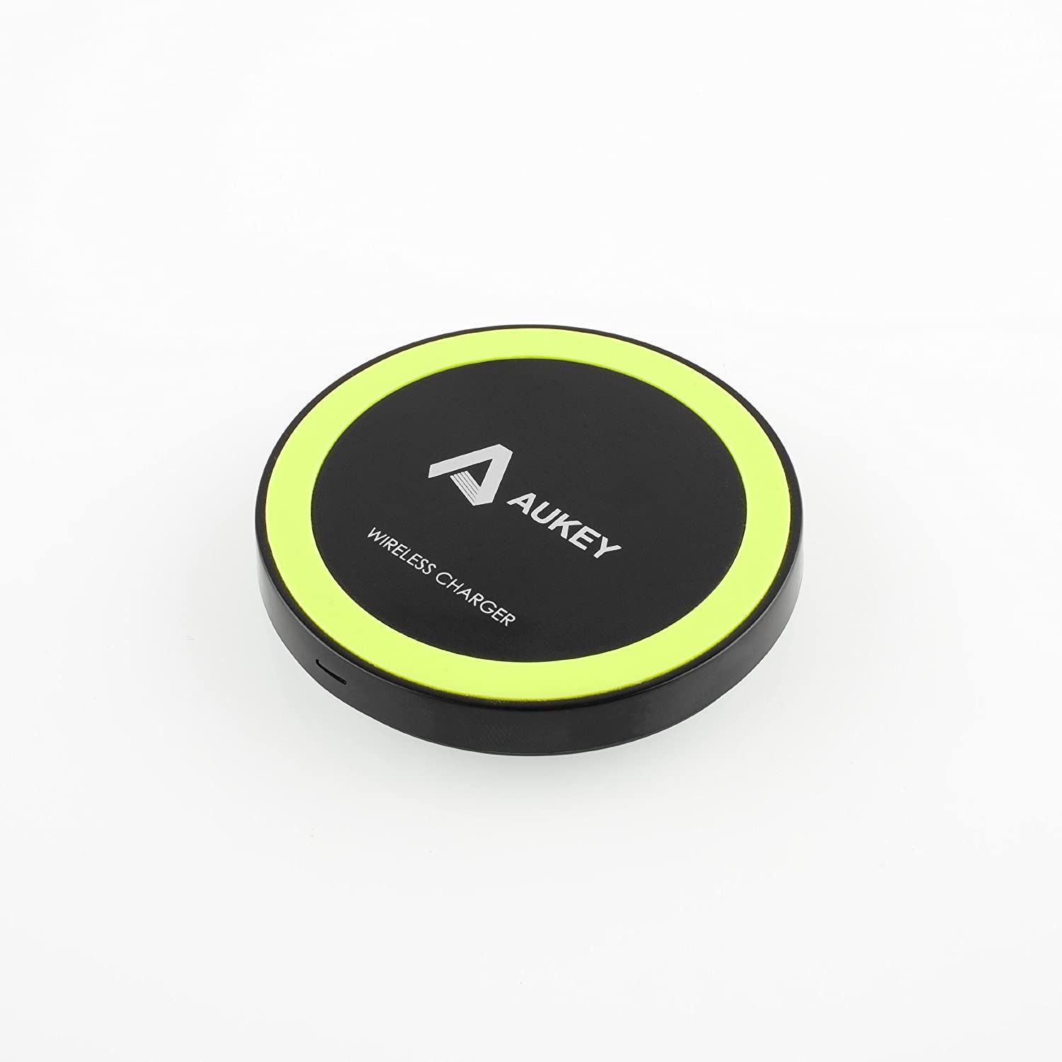 Aukey   Qi充電パッド ワイヤレス充電パッド 無接点充電パッド 「Qi」準拠ワイヤレスチャージャー  置くだけ充電 非接触充電 無線充電器(円形)(Nexus5/7 /4;Samsung S4,S3,I510;LG Optimus LTE2,VS920;HTC Rezound, Incredible 2, Incredible 4 LTE;Motorola Droid 4; Nokia Lumia 920;Fujitsu docomoand F-10D,F-09D,F-03D,F-03D Girls';Sharp docomo SH-07D,SH-04D,SH-02D,SH-13C;NEC docomo N-01D;Panasonic docomo P-06DなどApple&Android機器に対応) LC-M1