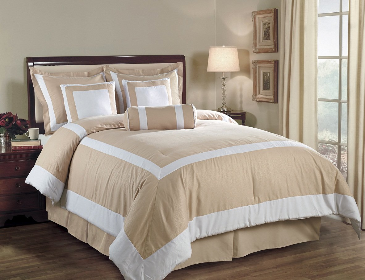 7 Pieces Champagne and White Hotel Block Embossed Leaf Comforter Bed-in-a-bag Set Full or Double Size Bedding