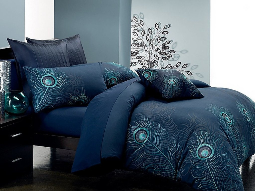 Peacock Bedding Is Gorgeous And Popular