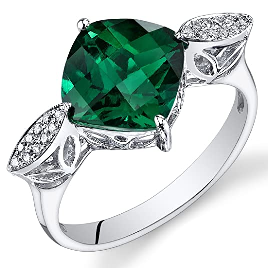 Revoni 14ct White Gold Cushion Emerald Diamond Ring (3.08 cttw)