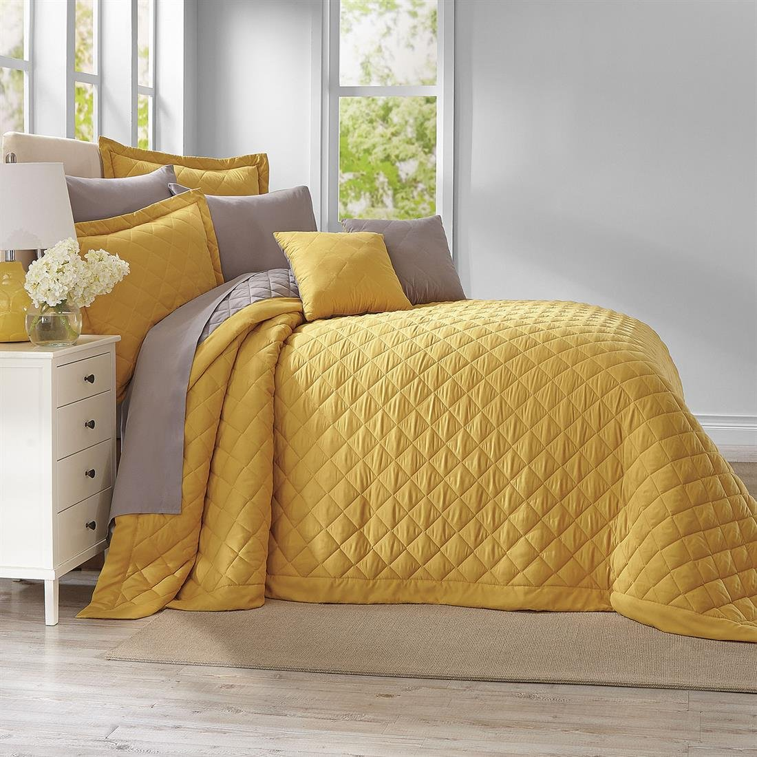beautiful quilted bedspreads