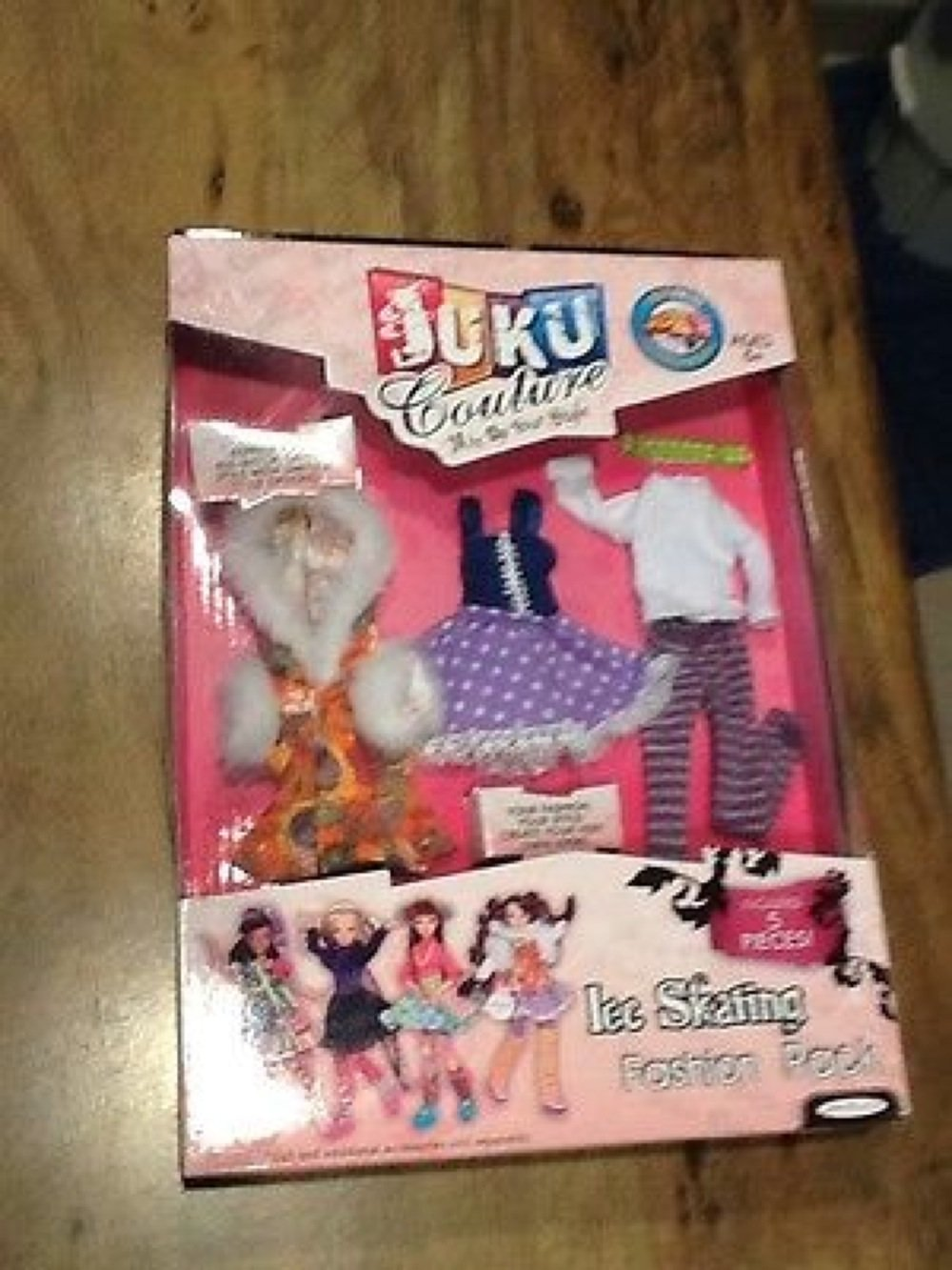 juku-couture-doll-clothes-fashion-pack-ice-skating-5-pieces