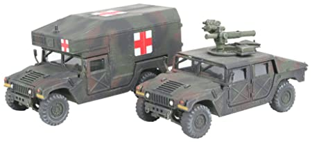 "Revell - 3147 - Maquette Militaire - HMMWV ""TOW & Ambulance"""