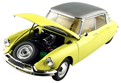 Model Kit - Citroen DS19 - 1:24 Scale