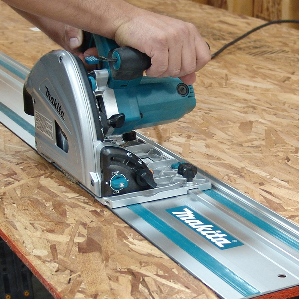 Circular Saw with Guide