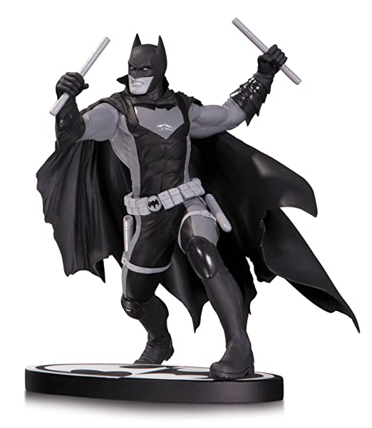 Batman Black & White statuette Earth 2 Batman 15 cm