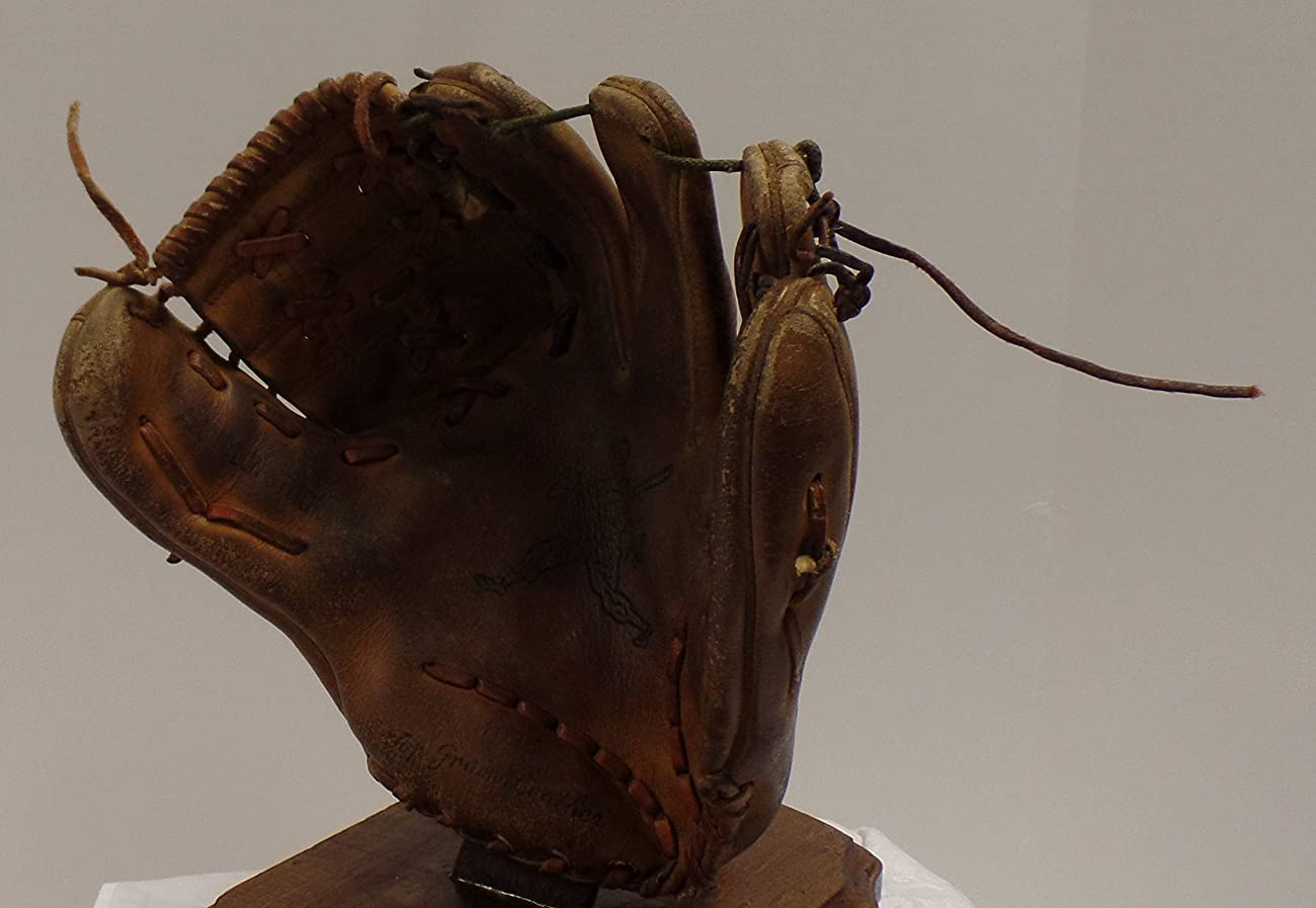 Vintage Clete Boyer Autograph Model 1035 Baseball Glove - Great for Mancave or Baseball Themed Decor (Free Shipping) 6