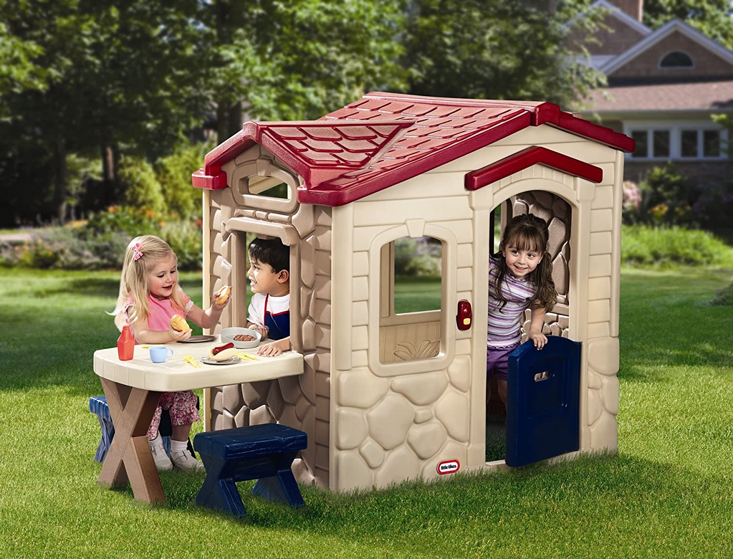 An Image of Little Tikes Picnic on the Patio Playhouse
