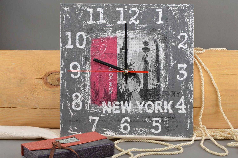 Graue rechteckige originelle handgemachte Wanduhr aus Furnierholz New York günstig online kaufen