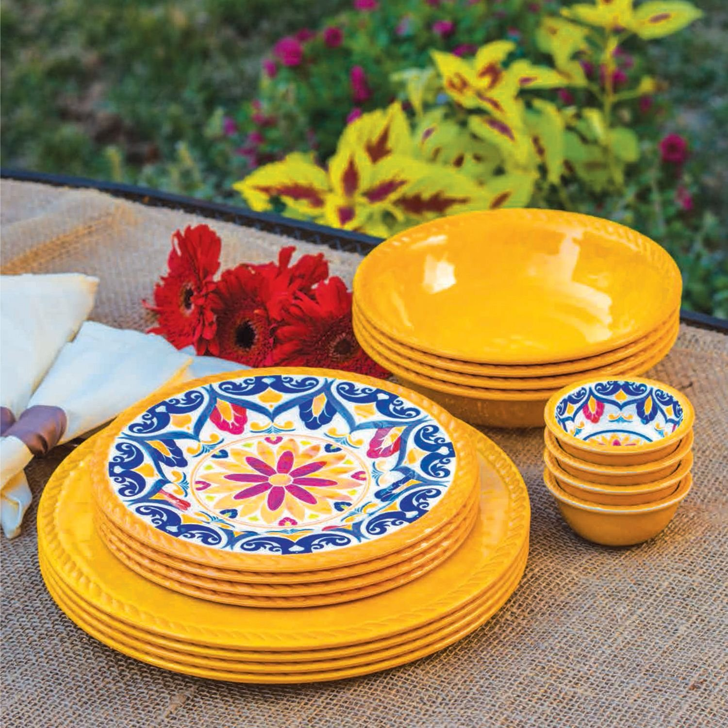 16 Piece Indoor/Outdoor Melamine Dinnerware Set YELLOW kitdxedxcombo50san30001 value kit dixie dinnerware party pack dxedxcombo50 and sharpie permanent marker san30001