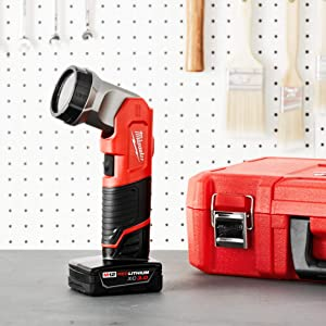 Milwaukee 49-24-0146 M12 12-Volt LED Work Light (Color: Red, Black, Tamaño: 7-inch Overall Length)