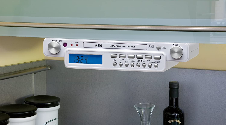 aeg krc 4323 stereo k chenradio mit cd 15 watt wei ebay. Black Bedroom Furniture Sets. Home Design Ideas