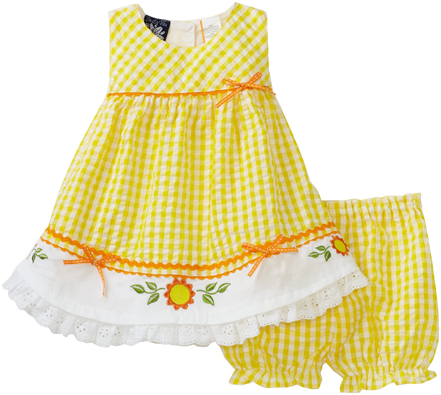This beautiful babydoll dress is perfect to wear to a gender-neutral baby shower. The cute little bow will draw attention to your best feature and the party's guest of honor—your baby bump!