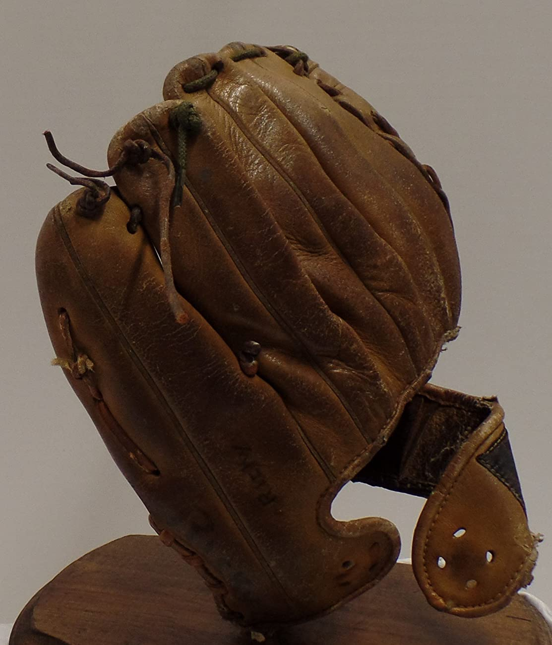 Vintage Clete Boyer Autograph Model 1035 Baseball Glove - Great for Mancave or Baseball Themed Decor (Free Shipping) 5
