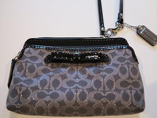 Double Zip Wristlet in Leather Double Zip Wristlet