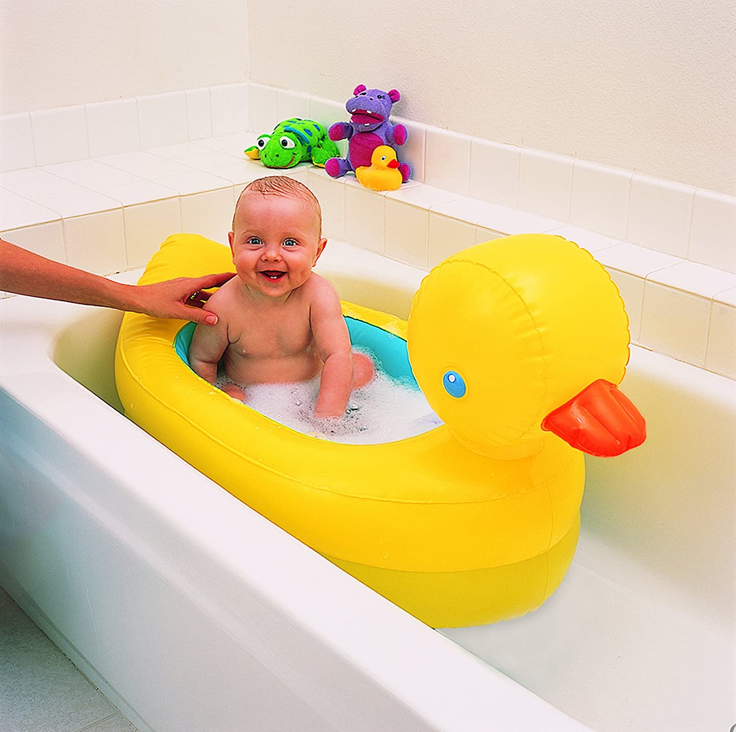 munchkin hot inflatable duck tub fun baby bath toy new ebay. Black Bedroom Furniture Sets. Home Design Ideas
