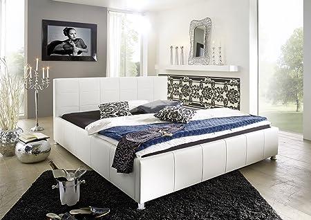 XXS® Kira Polsterbett 180 x 200 cm in edlem weiß, Bett mit gepolstertem Kopfteil und pflegeleichter Oberfläche im abgestepptem Design, stilvolle chrom-farbene Fuße, auch als Wasserbett verwendbar