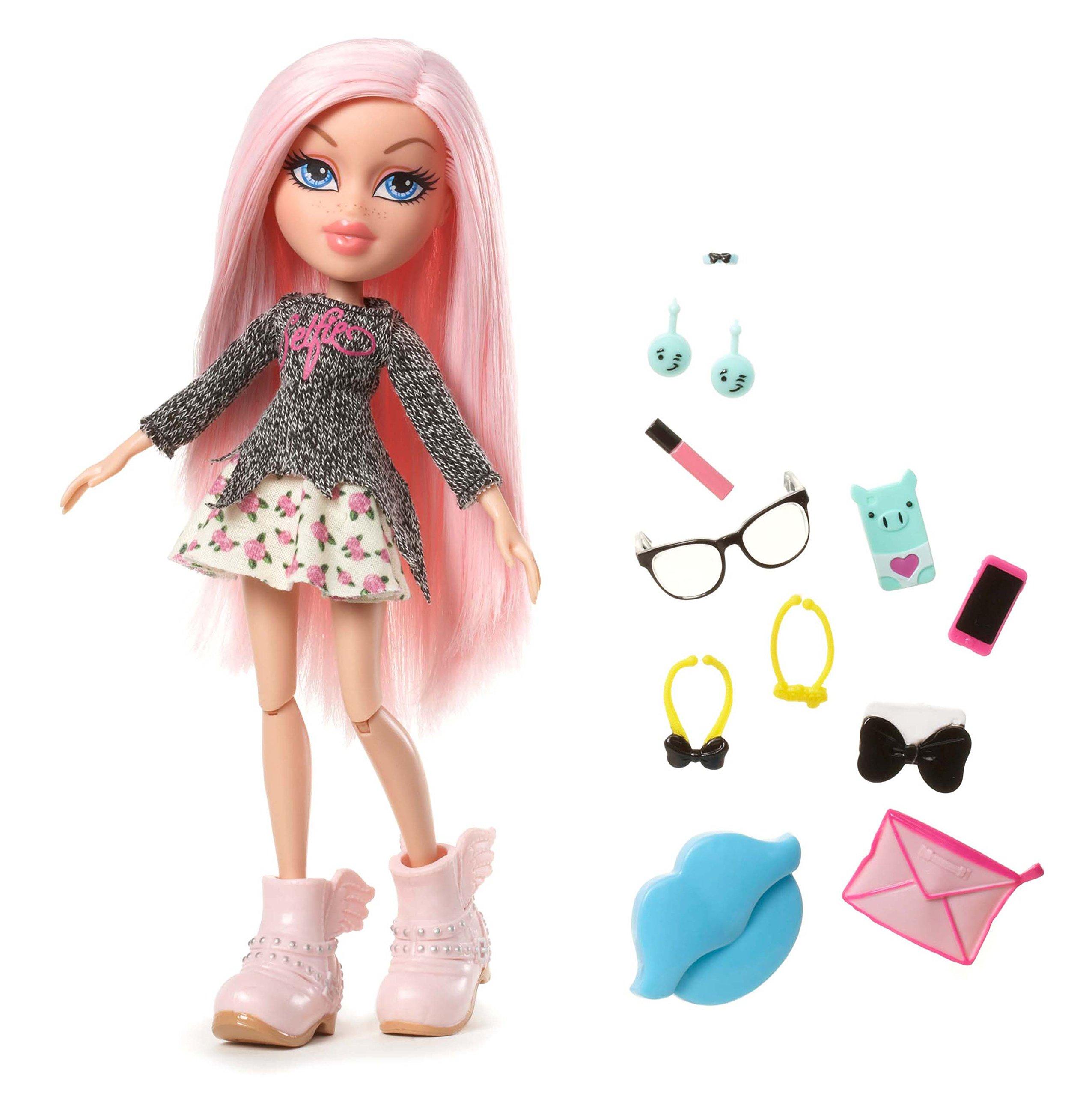 Bratz #SelfieSnaps Doll- Cloe | eBay