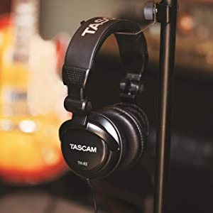 Tascam TH-02 Closed Back Studio Headphones, Black (Color: Black)