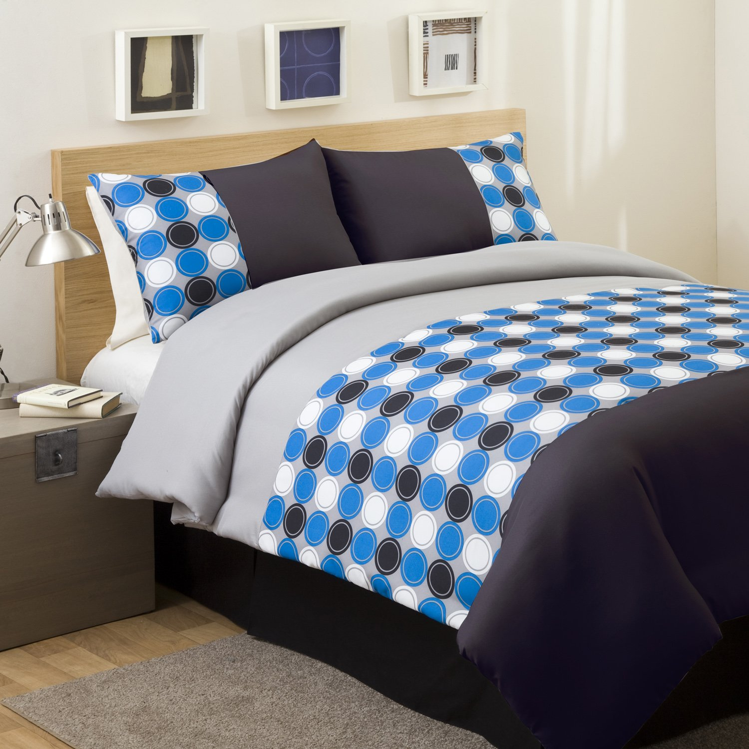 Polka dot bedding set beautiful bedroom for Beautiful bedroom comforter sets