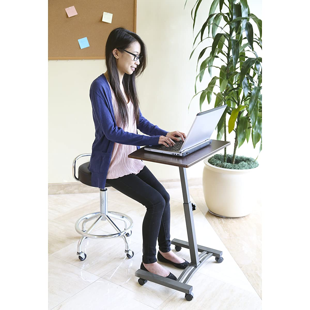 "Seville Classics Mobile Laptop Computer Desk Cart, Height-Adjustable from 20.5"" to 33"", Walnut"