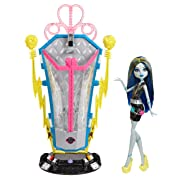 Monster High Freaky Fusion Recharge Chamber Frankie Stein Doll and Playset