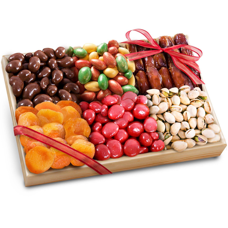 Подарки из орехов, сухофруктов, сладостей в красивой 58
