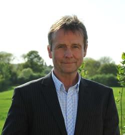 Chris Sidwells