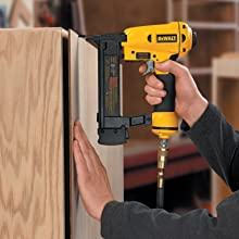 DEWALT D51422K 1-1/2-Inch X 1/4-Inch 18 Gauge Narrow Crown Stapler
