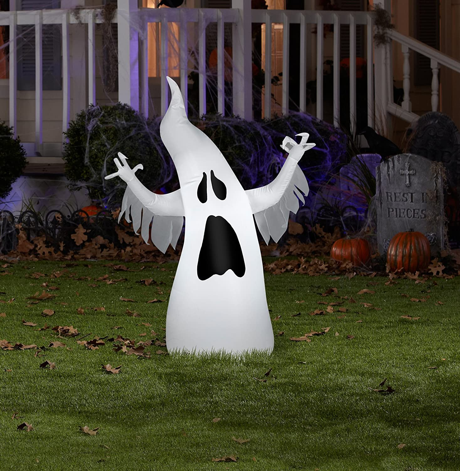 Halloween Outdoor Yard Decorations: Halloween Outdoor Inflatables Page Four