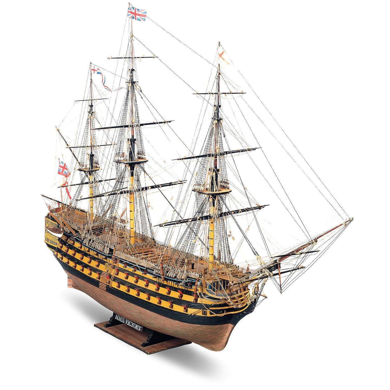 输入木制帆船模型
