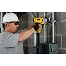 DEWALT DWD525K 1/2-Inch VSR Mid-Handle Grip Hammerdrill Kit