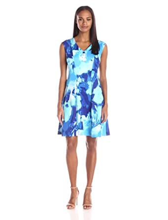 Sandra Darren Women's Extended Shoulder All Over Printed Fit and Flare