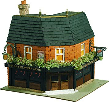 Domus Kits - 83/40304 - Loisir Créatif - Maquette - Maison Country 7 - The Brycklayers Arms