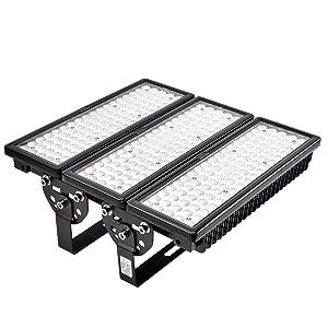 Viugreum 300W LED Flood Lights Outdoor, 30000 Lumen, Daylight White (6000-6600K) 60° Beam Angle LED Spot Lights, IP67 Waterproof Security Light, Stadium Lights Work Lights Long Distance Lighting (Color: 300w Daylight White)