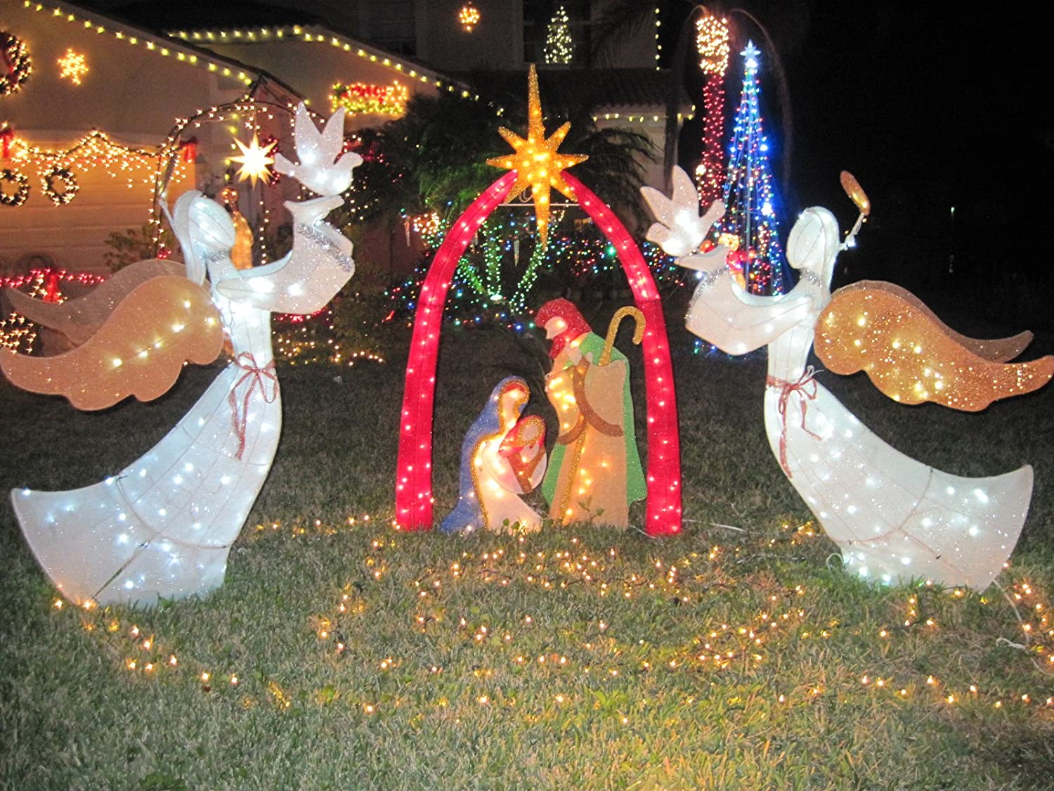 Nativity scene lighted yard displays christmas wikii for Baby jesus christmas decoration