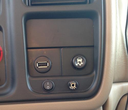 iSimple IS32 TranzIt USB Universal Car FM Radio