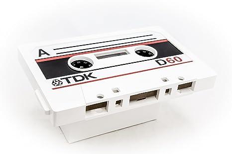 Pide X Esa Boca - Mesa Cassette. Realizada a mano de manera artesanal en madera DM, simulando una antigua cinta de cassette. Medidas (ancho x largo x alto) 96x58x45 centímetros.