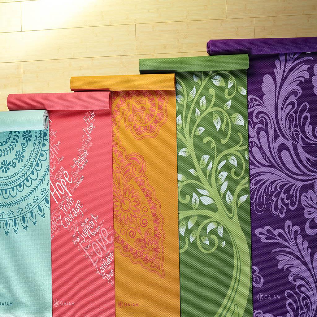 Amazon.com : Gaiam Bloom Printed Yoga Mat (Fuchsia