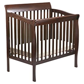 Delta Childrens Products Riley Mini Crib