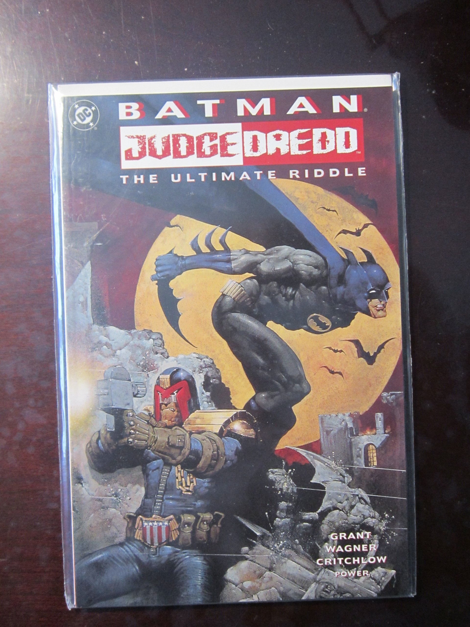 Batman - Judge Dredd: The Ultimate Riddle, Grant, Alan; Wagner, John