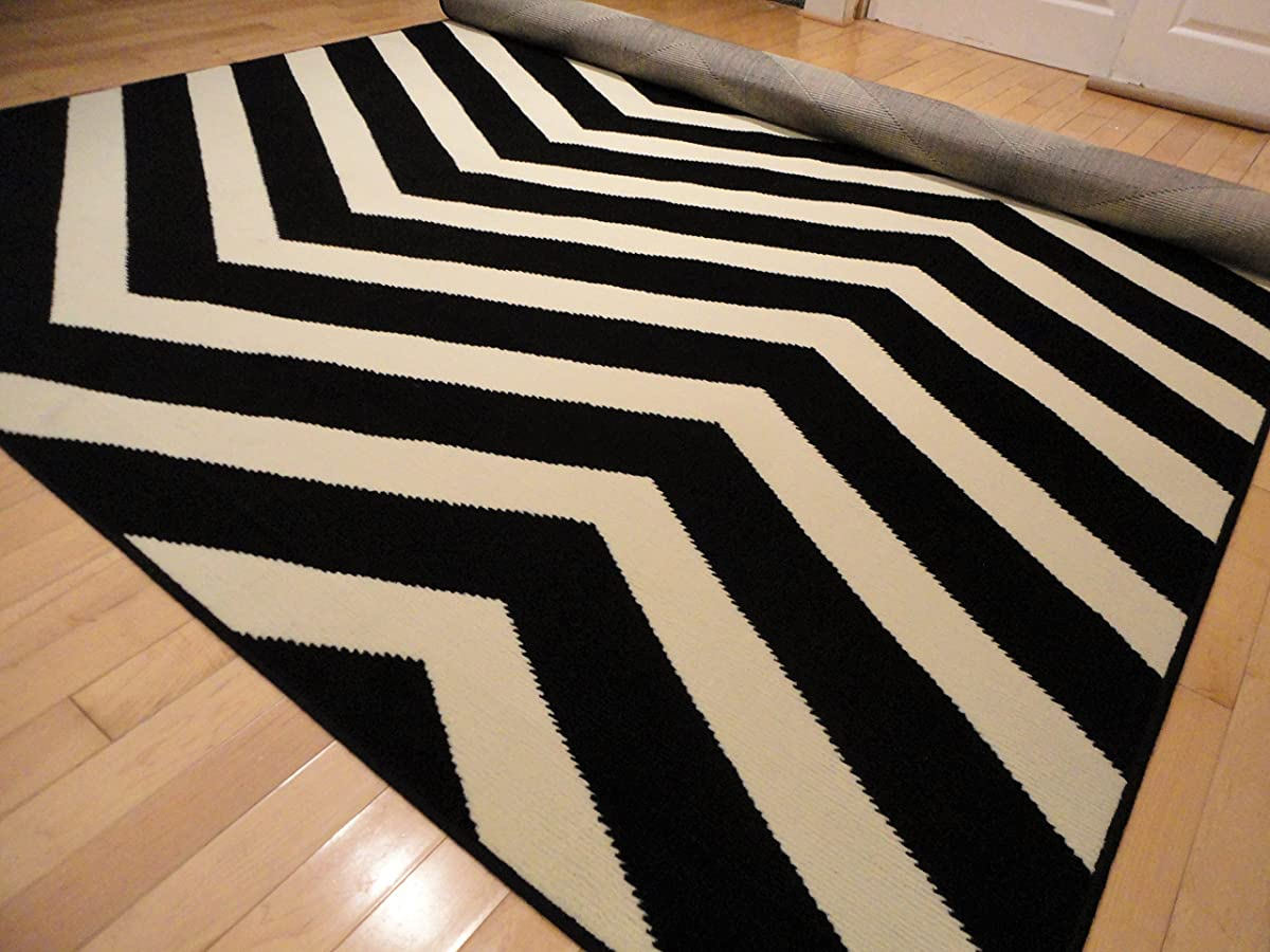 Black Contemporary Chevron Design 5x7 Black Zig Zag Rugs 5