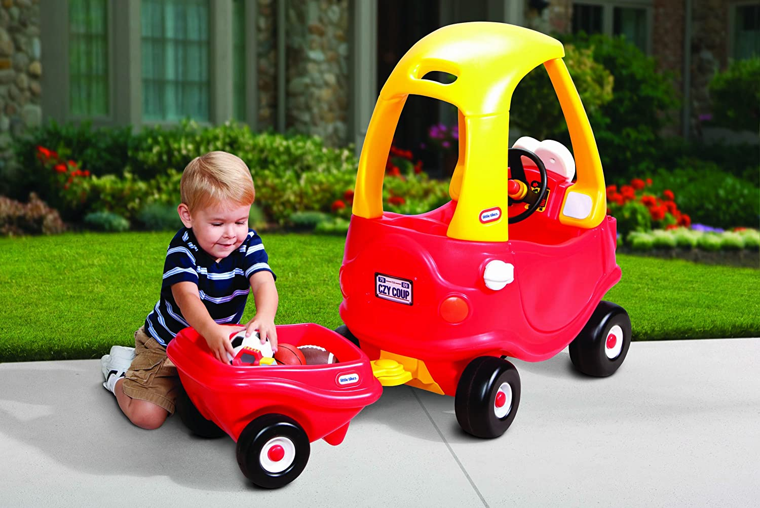 An Image of Little Tikes Cozy Coupe with Trailer