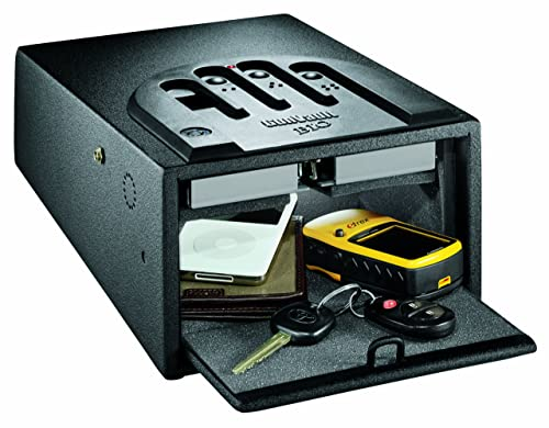 Gunvault-GVB1000-Mini-Vault-Biometric-Gun-Safe-in-use