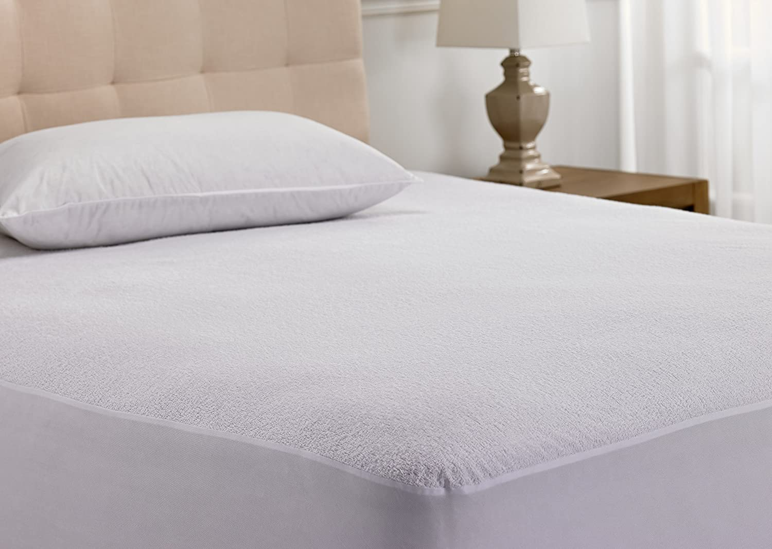 Hanna Kay Mattress Protector Waterproof Breathable and Hypoallergenic Twin Size