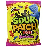 Sour Patch Kids Sweet and Sour Gummy Candy, Berries, 3.6 Ounce (Pack of 12) (Tamaño: 3.6 Ounce Bag, Pack of 12)