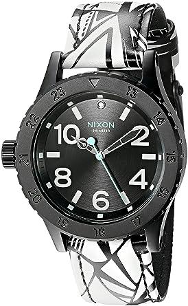 NIXON A4672218-00 Karóra