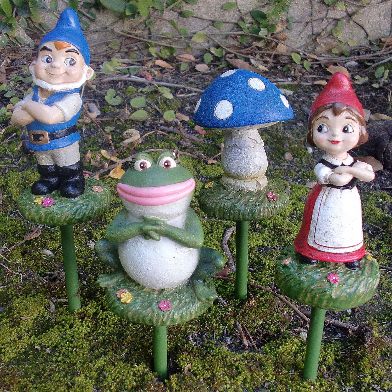 47 garden gnomes the unique way to present